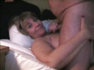 Sweltering mature wife gets blowjob and facial