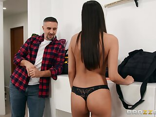 Wringing wet cum facial for spunky dark-haired hottie Gianna Dior