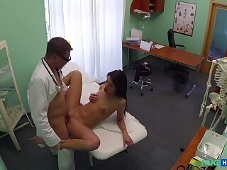 Doctor And Take charge of Enjoy Patient's Wringing wet Pussy