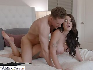 Gabbie Carter gets her way with her friend's fellow-countryman
